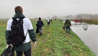 Wolontariusze posprzątali rzekę